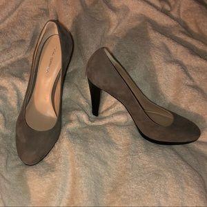 EUC - Via Spiga Dove Grey Heels